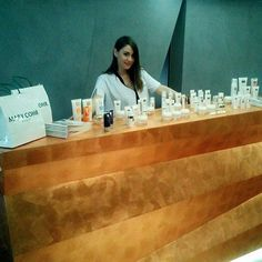 Υποδεχόμαστε τα φυσικά προϊόντα ομορφιάς και περιποίησης Mary Cohr και στο κατάστημα Vivify Θεσσαλονίκης. To ειδικό επιστημονικό προσωπικό των Vivify, που αποτελείται από ιατρούς δερματολόγους και αισθητικούς, βρίσκεται στη διάθεσή σας για να αξιολογήσει τις ανάγκες του δέρματος και τις ευαισθησίες του, και να σας προτείνει την κατάλληλη καλλυντική φροντίδα. #vivify #vivifyyourself #thebeautylab #marycohr