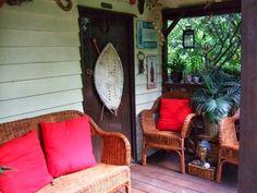 Alternative Eden Exotic Garden: Take a Bow Jungle Hut!