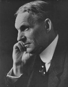 """""""Pensar es el trabajo más difícil que existe. Quizá sea esta la razón por la que tan pocas personas lo practican"""" Henry Ford"""