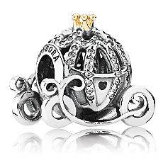 Is there exclusive Disney Pandora Jewelry at the Disney Theme Parks?