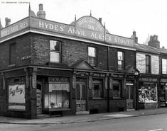 Travellers Call Inn on Hyde Road in West Gorton, Manchester. 1958