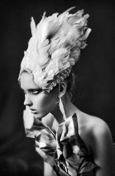 photographer: dmitry g. pavlov, dark beauty magazine something like this maybe for the raven? Beauty And Fashion, Fashion Art, Feather Fashion, Fashion 2015, Couture Fashion, Fashion Models, 3 4 Face, Fashion Fotografie, High Fashion Photography