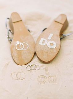 Cute idea for beach wedding shoes Perfect Wedding, Our Wedding, Dream Wedding, Wedding Ideas, Beige Wedding, Miami Wedding, Wedding Ring, Wedding Gifts, Beach Wedding Photos