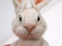 How to Make a Cute Needle-Felted Bunny for Easter Felt is a non-woven textile that is produced by condensing and pressing fibers together using different techniques. Needle-felted creatures are actually made from the same material, a Felt Crafts, Easter Crafts, Easter Projects, Felt Projects, Felt Bunny, Bunny Rabbit, Easter Bunny, Baby Bunnies, Happy Easter