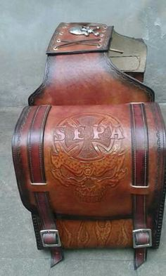 Saddle bags jawa (sepa) Blacksmithing Knives, Leather Saddle Bags, Knife Making, Custom Leather, Leather Design, Leather Working, Wood Carving, Accessories, Leather