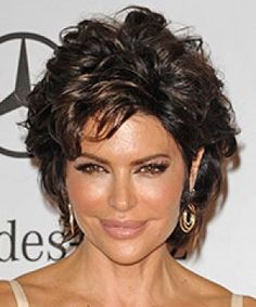 Lisa Rinna is an American television host and actress. Lisa Rinna hair, Lisa Rinna hair Lisa Rinna long hairstyles, Lisa Rinna short h. Short Curly Hairstyles For Women, Short Layered Haircuts, Hairstyles Over 50, Wig Hairstyles, Layered Hairstyles, Hairstyle Ideas, Hairstyle Short, Choppy Haircuts, Haircut Short