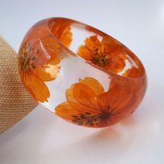 Orange Resin Bangle.  Chunky Resin Bracelet.  Pressed Flower Bracelet.  Real Flowers - Orange Cosmos. Custom Engraving Personalized Jewelry