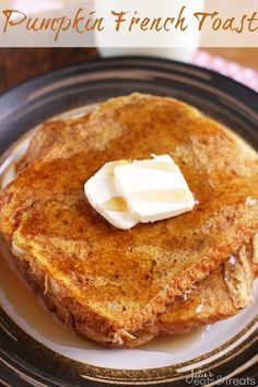 Delicious French Toast Recipes that everyone can make! We have overnight french toast casseroles, stuffed french toast, savory and sweet french toast recipes! These are the perfect breakfast recipes when you want to serve french toast! What's For Breakfast, Breakfast Items, Breakfast Dishes, Breakfast Recipes, Pumpkin Breakfast, Pumpkin Pancakes, Perfect Breakfast, Banana French Toast, Pumpkin French Toast