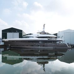 """The 42.40m """"Alive"""" by Heesen Yachts completed her sea trials. The yacht is equipped with Hull Vane foil system."""