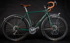 bikes&girls&macs&stuff - (via Staubfresser: Page Street Cycles Outback Road Bikes, Cycling Bikes, Street Bikes, Rando Velo, Skate, Bicycle Types, Urban Bike, Commuter Bike, Bike Reviews