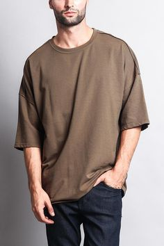 Made for the modern man, influenced by the latest music, and social media trends. Comfort meets cool with its earthy-toned longline T-shirts. - Cotton, Polyester - Machine-wash cold inside-out with like colors, line dry - Imported. Oversized Shirt Men, Best T Shirt Brands, Stylish Men, Men Casual, Korean Fashion Men, Fashion Fashion, Look Man, Cool T Shirts, Streetwear