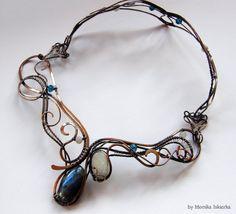 Cadwyn wire wrapped necklace labradorite moonstone by MeaJewelry