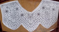 Фотография Bobbin Lace Patterns, Cross Stitch Love, Lacemaking, Point Lace, Hand Embroidery Stitches, Needle Lace, Fb Covers, Tatting, Beads