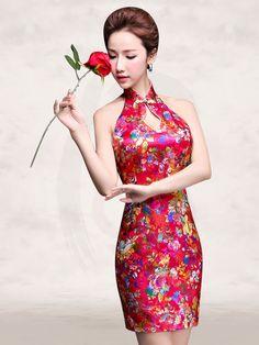 f03fbe9a22ca 10 fantastiche immagini su Qipao