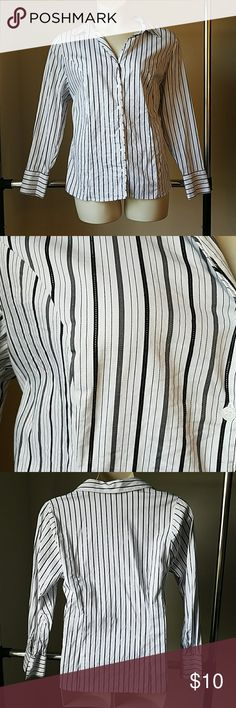 ⤵ Lane Bryant White Sparkly Striped Career Blouse Great condition! Gray stripes are subtly sparkly. Lane Bryant Tops Button Down Shirts