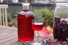 Alcoholic Drinks, Cocktails, Hot Sauce Bottles, Food And Drink, Minden, Canning, Glass, Recipes, Foods
