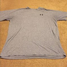 Men's Under Armour Tshirt Used, men's under Armour Tshirt- grey, good condition Under Armour Tops Tees - Short Sleeve