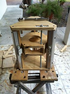 Hello! This is my first instuctable, and in it I will show you how to make a Router lift for your router table out of recycled hardware. This is based on 3 closet...