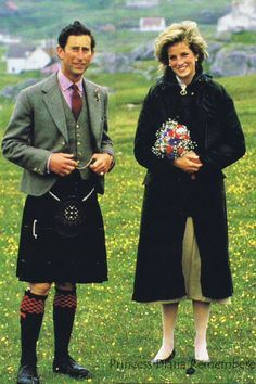 September 3, 1985: Prince Charles & Princess Diana at Ardveenish on the island of Barra during a tour of the Western Isles, Scotland. kisses of charles and diana - Pesquisa Google