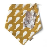 Zebi Kerchief Bib with pearl snap closure ! Picnic Blanket, Outdoor Blanket, Kerchief, Organic Baby Clothes, Layers Design, Everyday Objects, Bibs, Little Ones, Whale