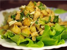 Crunchy salad with pineapple and chicken Potato Salad, Pineapple, Dishes, Meat, Chicken, Ethnic Recipes, Food, Salads, Pine Apple