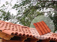 5 opciones de tejas para el techo: ¡resistentes y fabulosas! Outdoor Chairs, Outdoor Furniture, Outdoor Decor, Spanish Tile Roof, Ceramic Roof Tiles, Bamboo Building, Tuile, Market Stalls, Colonial