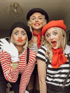 21 Easy and Sexy Halloween Costumes for Your Inspiration; Halloween costumes for teens; Halloween costumes for girls; Halloween costumes for women. Mime Halloween Costume, Halloween Costumes For Teens Girls, Costume Carnaval, Teen Costumes, Easy Costumes Women, Halloween Makeup, Original Halloween Costumes, Mime Makeup, Costume For Girls