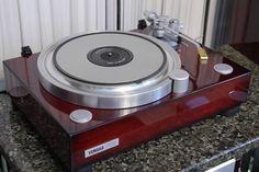 Vintage Audio Yamaha turntable