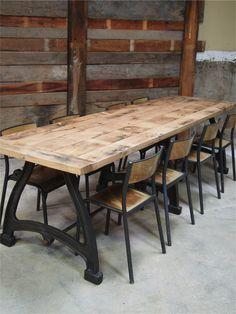 tres grande table industrielle plateau chene massif 3 pieds fonte