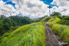 On dit qu'on ne visite pas Bali. On tombe éperdument amoureux de Bali. Voici une proposition d'itinéraire et budget pour un voyage à Bali pendant deux semaines. L'île des dieux en Indonésie t'attend les bras grands ouverts.