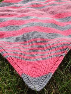 I love these colors together. I also love diagonal blankets, but mine always *ALWAYS* turn out wonky shaped. I was recently told that it has to do with tension. Hmmmm.....