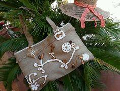 Beachwear daily bag, borsa estiva in juta con applicazioni uncinetto e legno