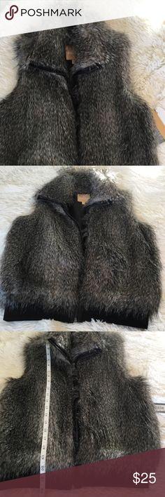 NWT Takara Faux Fur Zip Up Vest Super soft and beautiful, zip up Faux Fur Vest. Size Small Takara Jackets & Coats Vests