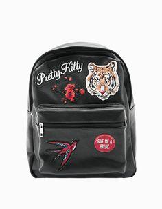 trendy black girls school backpack with patches Stradivarius new 2017 large Small Backpack, Backpack Purse, Mini Backpack, Mini Bag, Cute Backpacks, Girl Backpacks, School Backpacks, Back Bag, Herschel Heritage Backpack