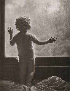 liquidnight:Harold Cazneaux -  Rainy Day aka Dawn on a Rainy Day, Sydney, 1910    From Harold Cazneaux - The Quiet Observer