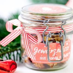 Advent calendar door no. spice nuts to give away with labels to print out cozy and cuddly - Kleine Welt von Mia Homemade Gifts, Diy Gifts, Spiced Nuts, Little Christmas, Christmas 2015, Few Ingredients, Winter Food, Food Gifts, Xmas Gifts