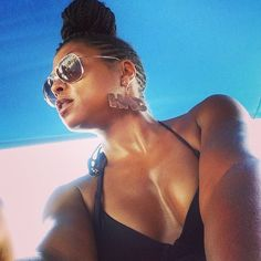 Taraji P. Henson is giving us that side cornrows swag again, but this time she is rocking them with individual braids in the center and styled it in a bun updo hairstyle. Chignon Wedding, Braided Hairstyles For Wedding, Summer Hairstyles, Bun Hairstyles, Pretty Hairstyles, Updo Hairstyle, Bun Updo, Side Cornrows, Side Braids