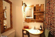 une étagère de lavabo pour la salle de bain en bois de palette