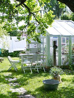 greenhouse from recycled windows (?)