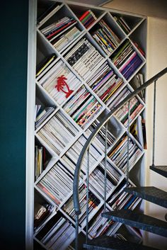 Diagonal modern bookcase