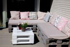 Steg-for-steg-guide til hvordan du lager en flott hagegruppe av paller til terrassen din!