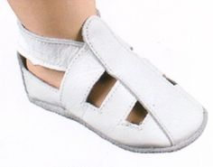 DEAL OF THE DAY. Bobux Slip on Eco Leather Sandals in White, Berry Styles Kids Shoes