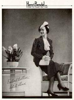 Foulard Tailleur batisite blouse shown in a 1935 Henri Bendel ad.