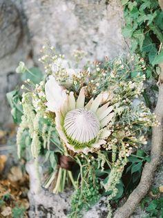 #bridalbouquet, #wildbouquet, #bouquets, #bouquet, #weddingbouquet, #gardenstyle, #protea, #amarant, #magnolia photo: Malvina Frolova