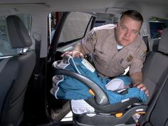 How to install an infant car seat  Unquestionably much to get.http://www.travelsystemsprams.com/  Awesome to newbornshttp://www.travelsystemsprams.com/