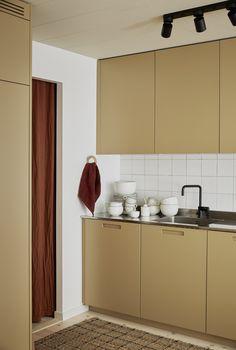 Elin Odnegård Home Interior, Kitchen Interior, Interior Architecture, Kitchen Design, Interior Decorating, Sweet Home, Stylish Kitchen, Kitchen Colors, Beautiful Kitchens
