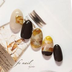 Minimalist Nails, Got The Look, Trendy Nails, Nails Inspiration, Nail Colors, Nailart, Stud Earrings, Makeup, Work Nails