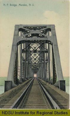 Postcard Between 1900 & 1909. N.P. Bridge, MANDAN, ND