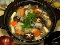 Mizore Nabe (Hot Pot with Grated Daikon Radish Recipe)
