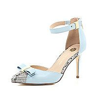 Blue snake print bow pumps